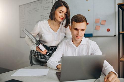 Romantična veza na radnom mjestu – da ili ne?